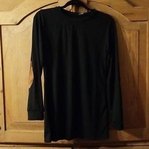 Boutique black L/S tee, sz M